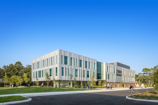 Purdue University Northwest Nils K. Nelson Bioscience Innovation Building / CannonDesign