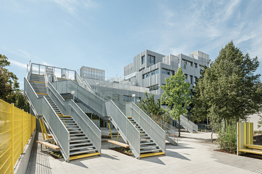 Längenfeldgasse Primary and Vocational School  / PPAG architects