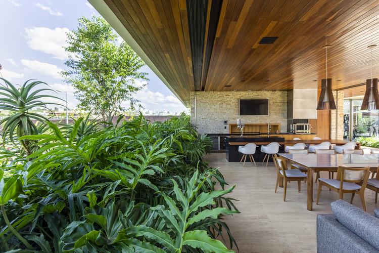 Casa Patrocínio / Aguirre Arquitetura, © Israel Gollino