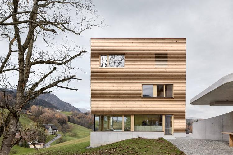 Casa en Orchard / firm Architekten, © Adolf Bereuter