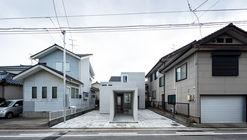 Figure - Ground  / Studio Takuya Hosokai