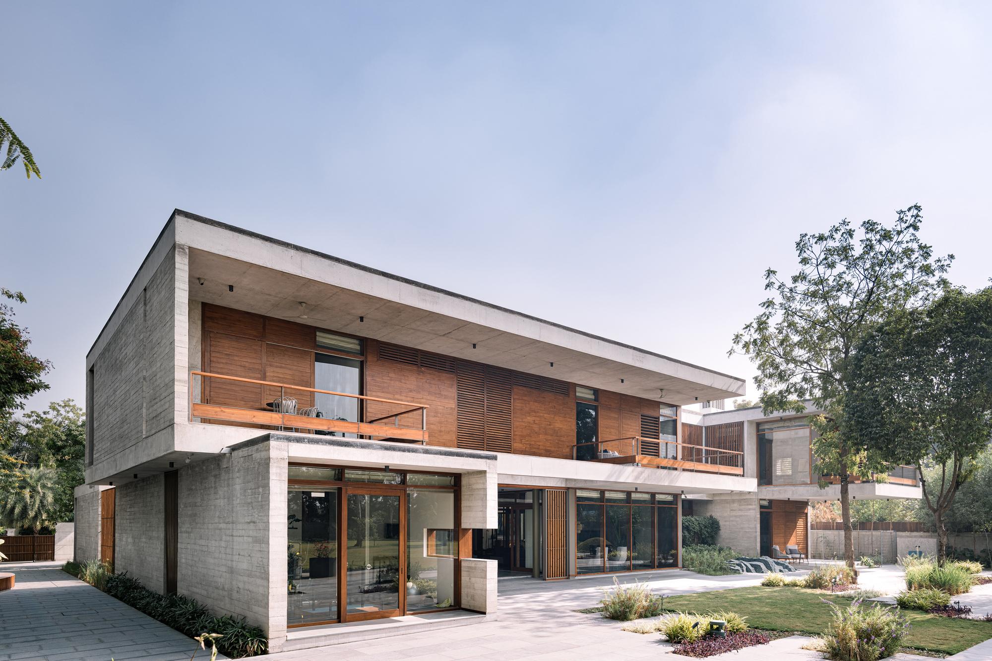 Inside out House / Modo Designs