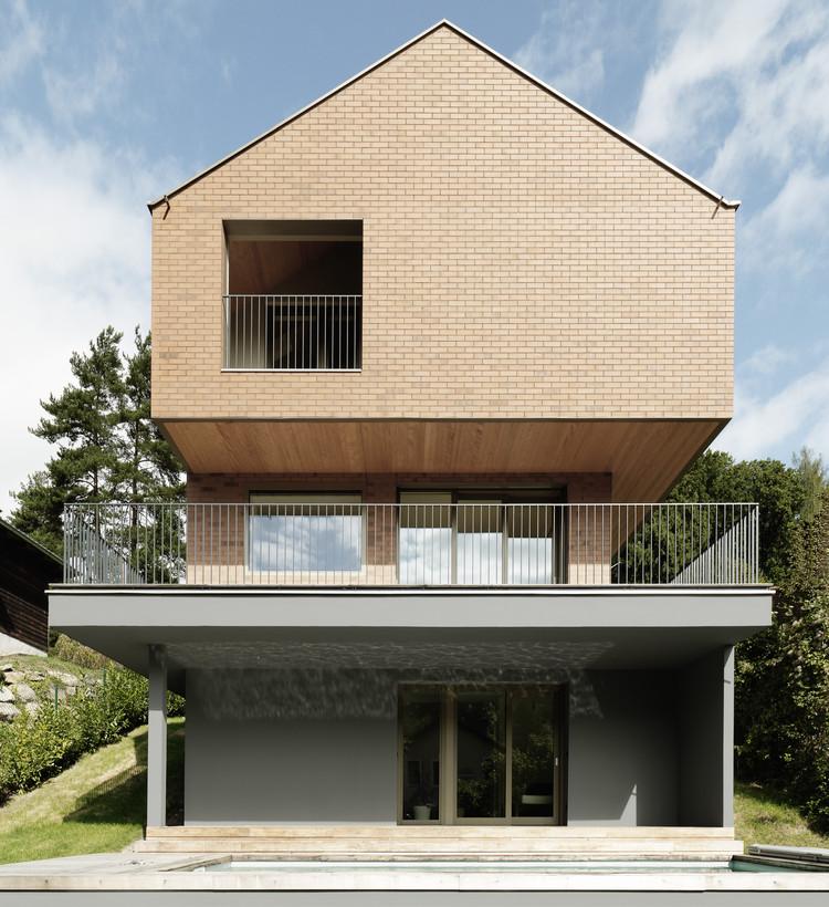 Brick All Over House /  WORK SPACE Architekten + Pf architekten, © Ditz Fejer