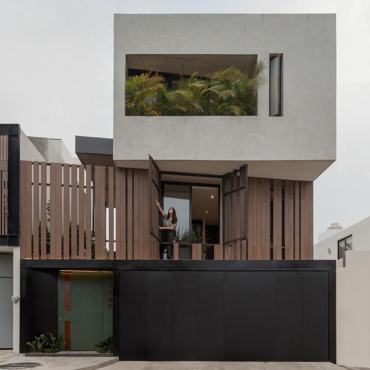 Casa X / Desnivel Arquitectos, © Lorena Darquea