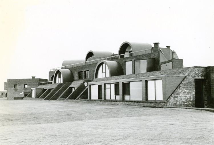 Clásicos de Arquitectura: Terrazas de Manantiales / MSGSSV, Cortesía de MSGSSV