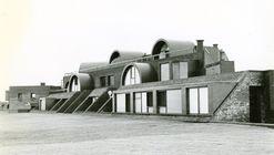 Clásicos de Arquitectura: Terrazas de Manantiales / MSGSSV