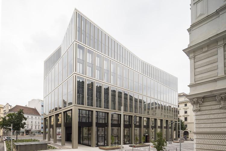 Edificio de oficinas Rathausstraße 1 / Schuberth und Schuberth + Stadler Prenn + Ostertag, © Christoph Panzer