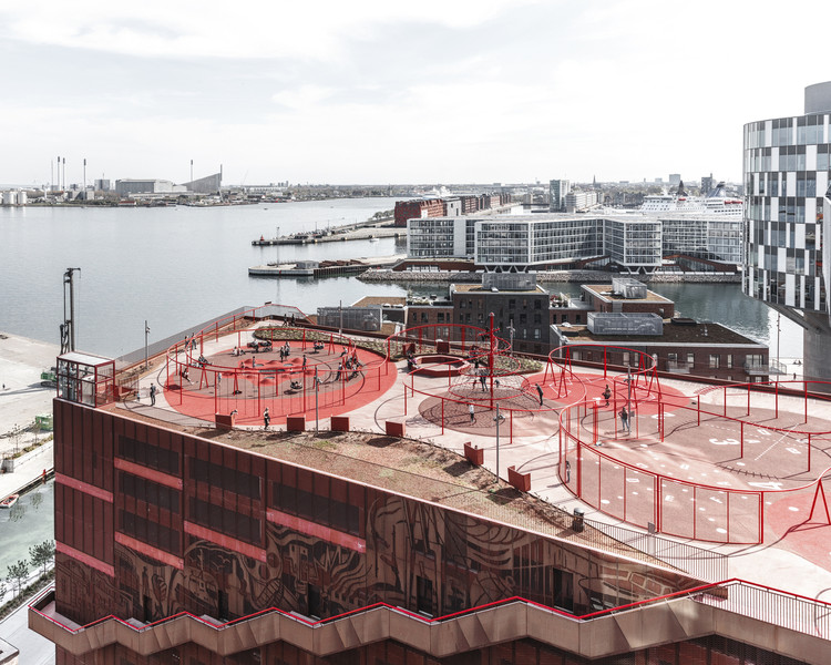 Una nueva capa de espacio público: activación de azoteas urbanas, Park' n' Play by JAJA Architects. Image © Rasmus Hjortshøj