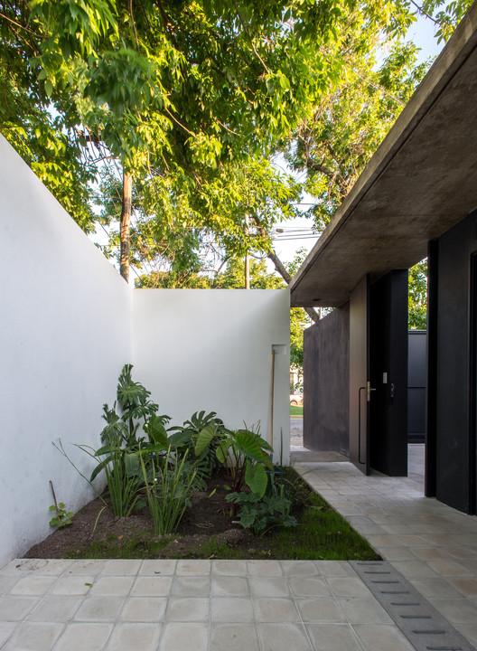 Casa Patio / Ezequiel Spinelli + Facundo S. López. Image © Luis Barandiarán