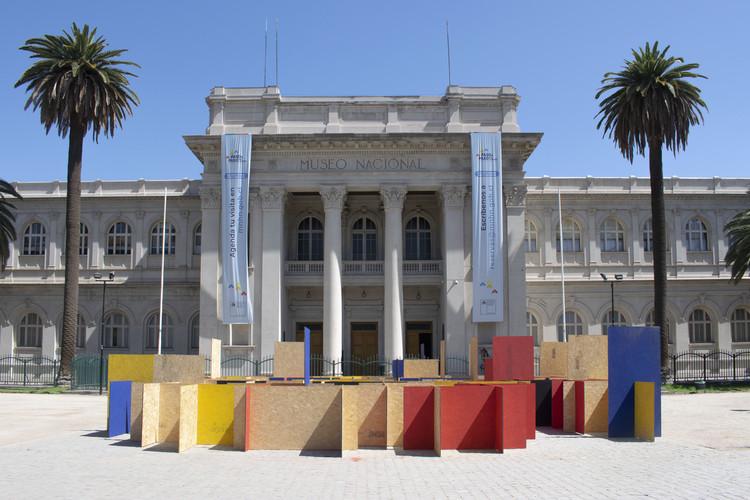 Laberinto VEO VEO / Docentes y estudiantes de 3° año de la Carrera de Arquitectura UDD Santiago, © Fernando Domínguez