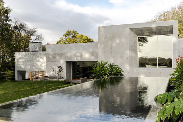Casa de hormigón / Raw Architecture Workshop, © Tarry + Perry