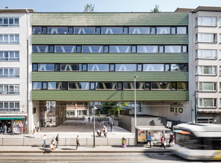 Edifício Comercial Mundo-a  / B-architecten, © Lucid