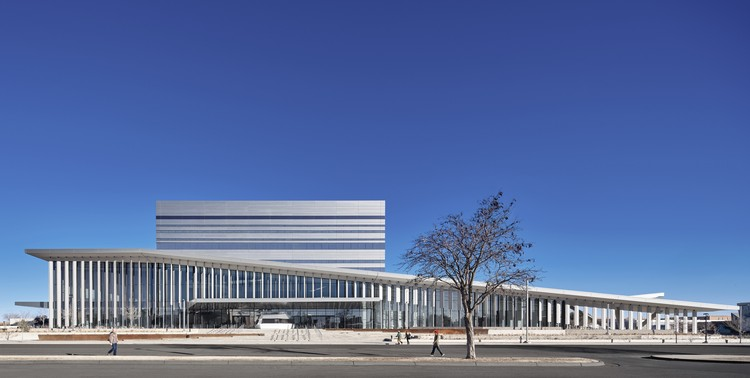 Salón de Artes Escénicas y Ciencias Buddy Holly / Diamond Schmitt Architects, © Casey Dunn