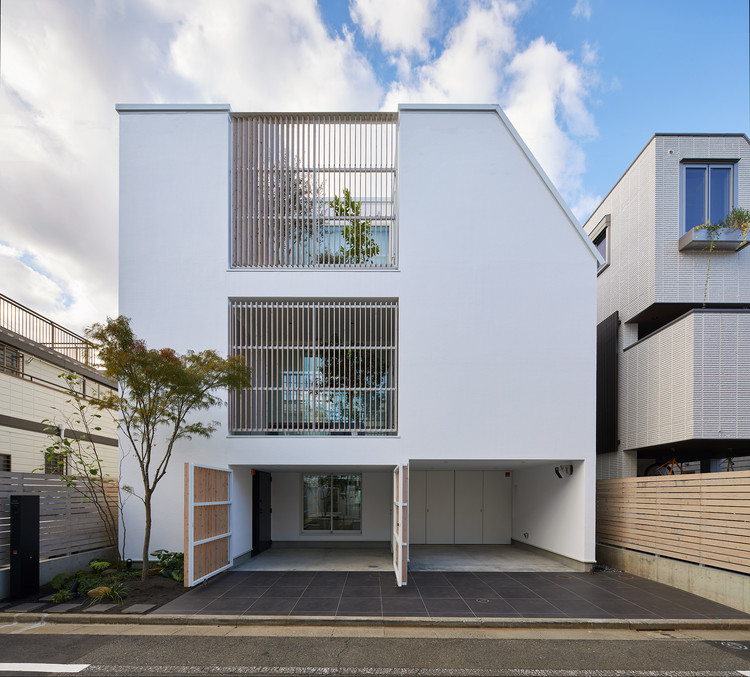 House Connected by Courtyard / Naf Architect & Design, © Toshiyuki Yano