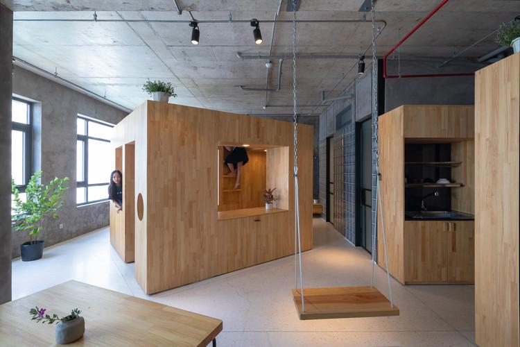 Happy Box / Tropical Space, © Trieu Chien
