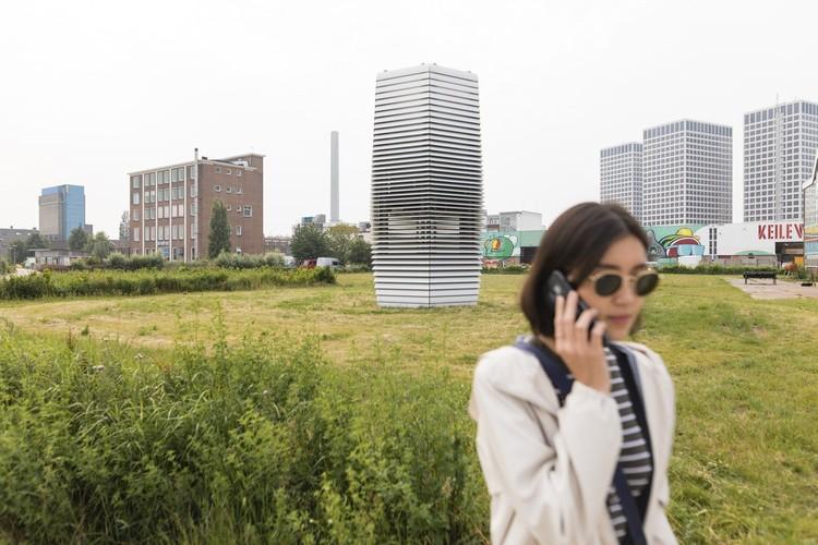 © Studio Roosegaarde. ImageSmoke Free Tower