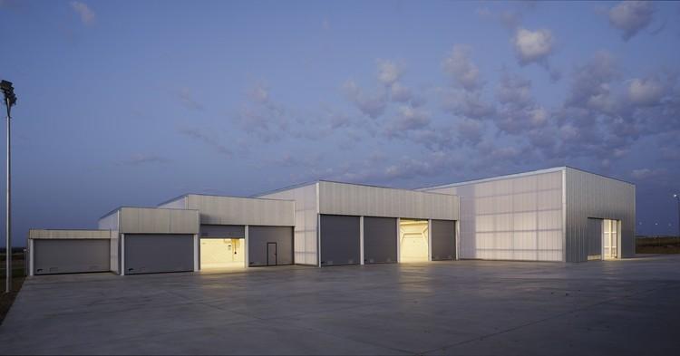 Edificio industrial Brigadas & Promedio Centro / Estudio Arquitectura Hago, © Fernando Alda