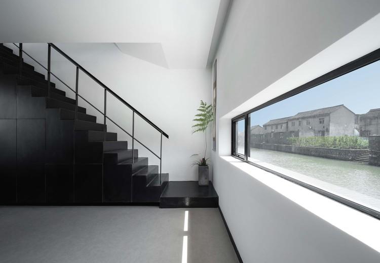 stairs and corridor. Image © Enlong Zhu