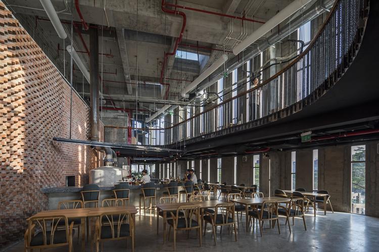 Pizza 4P's Hai Phong / Takashi Niwa Architects, © Hiroyuki Oki