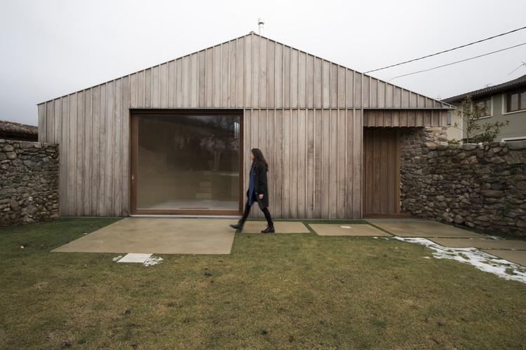 Transformation of An Old Tiny Farmcottage Into a Rural House / MAAV, © Guillermo Avanzini Alcibar