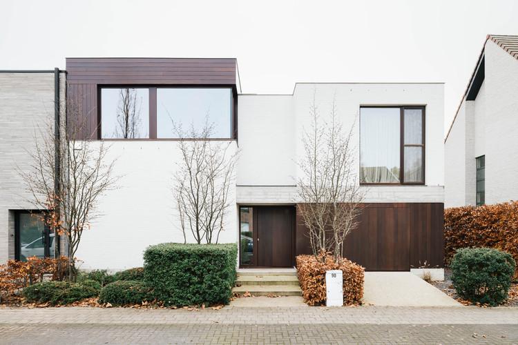 Single Family House with Poolhouse / Studio Ambacht + Oostkaai, © Senne van der Ven