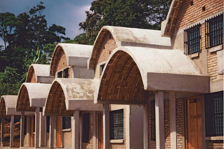 Muere Carlos Gonzalez Lobo, exponente de la arquitectura social y participativa en México, Nuevos pueblos en Sinaloa. Image Cortesía de Archivo Carlos González Lobo
