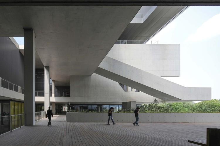 2F public terrace. Image © Shengliang Su