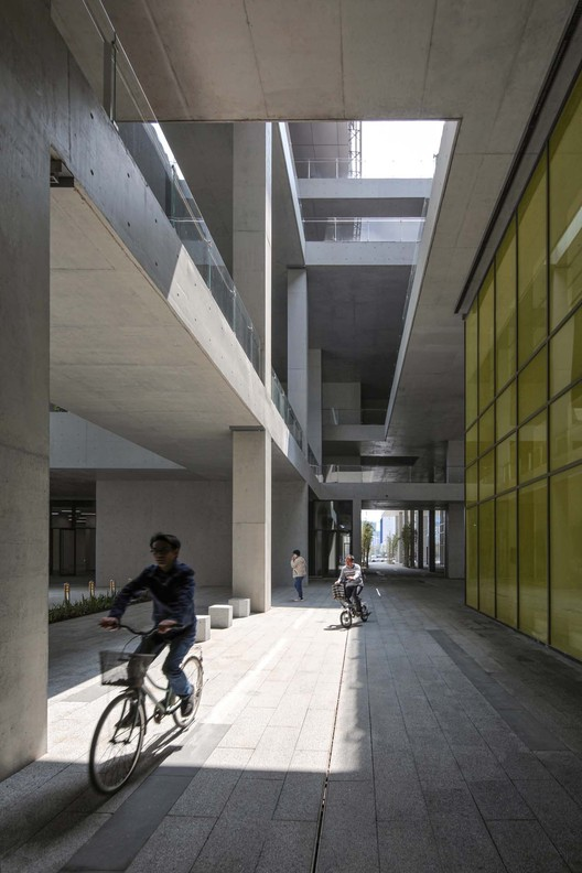 1F public space. Image © Shengliang Su