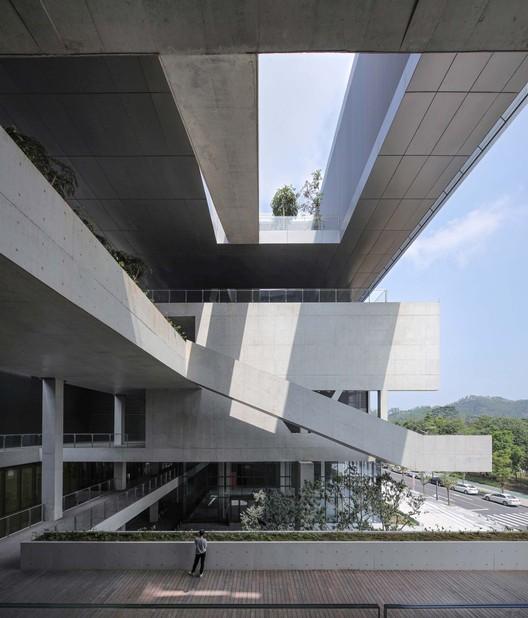 public terrace. Image © Shengliang Su