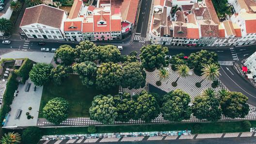 Horta City Seafront Requalification by extrastudio, Oficina dos jardins and SPI. Image © Filipe_Goncalves