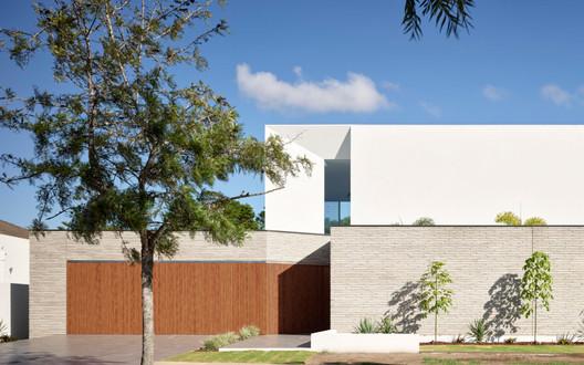 Stratum House  / Joe Adsett Architects