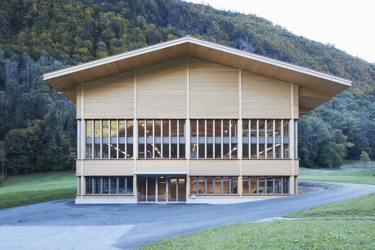 Fábrica de producción de madera / AMJGS Architektur + Marti AG Matt, © Martin Stollenwerk