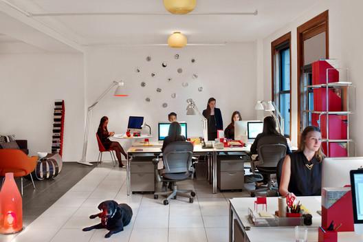 Novita Communications NYC HQ designed by the Turett Collaborative. Image © Eric Laignel