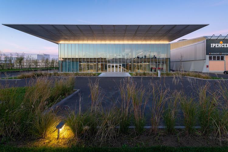 Iperceramica Headquarters / Mario Cucinella Architects, © Giovanni De Sandre