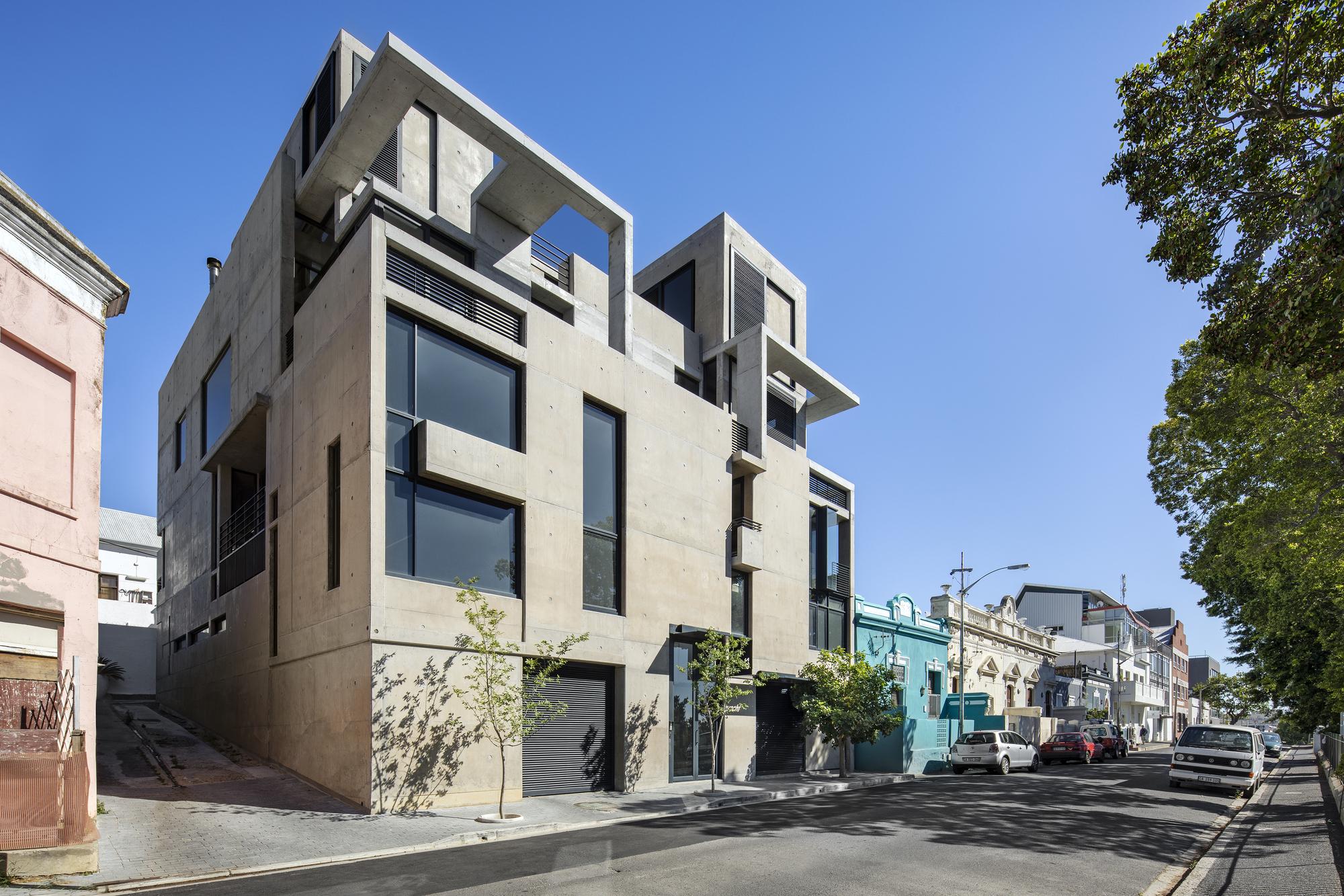 236 Buitengracht Street / Team Architects