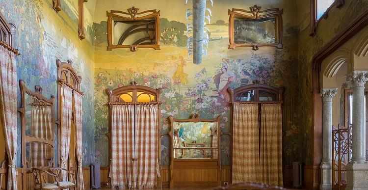 salão no interior do Hotel Villa Igiea, em Palermo, Sicilia. Obra do arquiteto Ernesto Basile. Créditos: Wolfgang Moroder em Wikimedia Commons