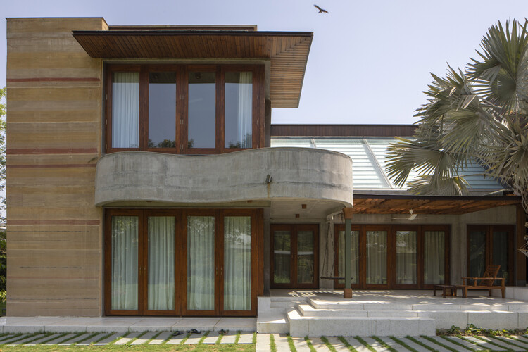 Meethi-Mishti nu Mati Ghar / SferaBlu Architects + Naman Shah Architects, © Umang Shah
