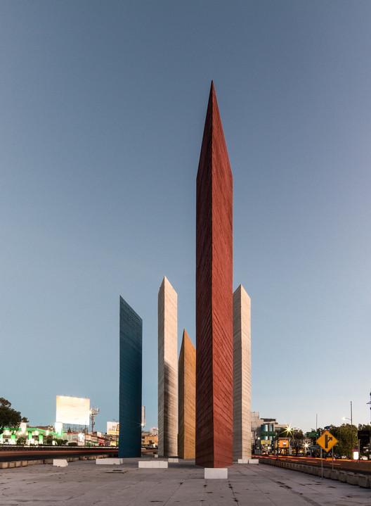 Clásicos de Arquitectura: Torres de Satélite / Luis Barragán, © Adlai Pulido