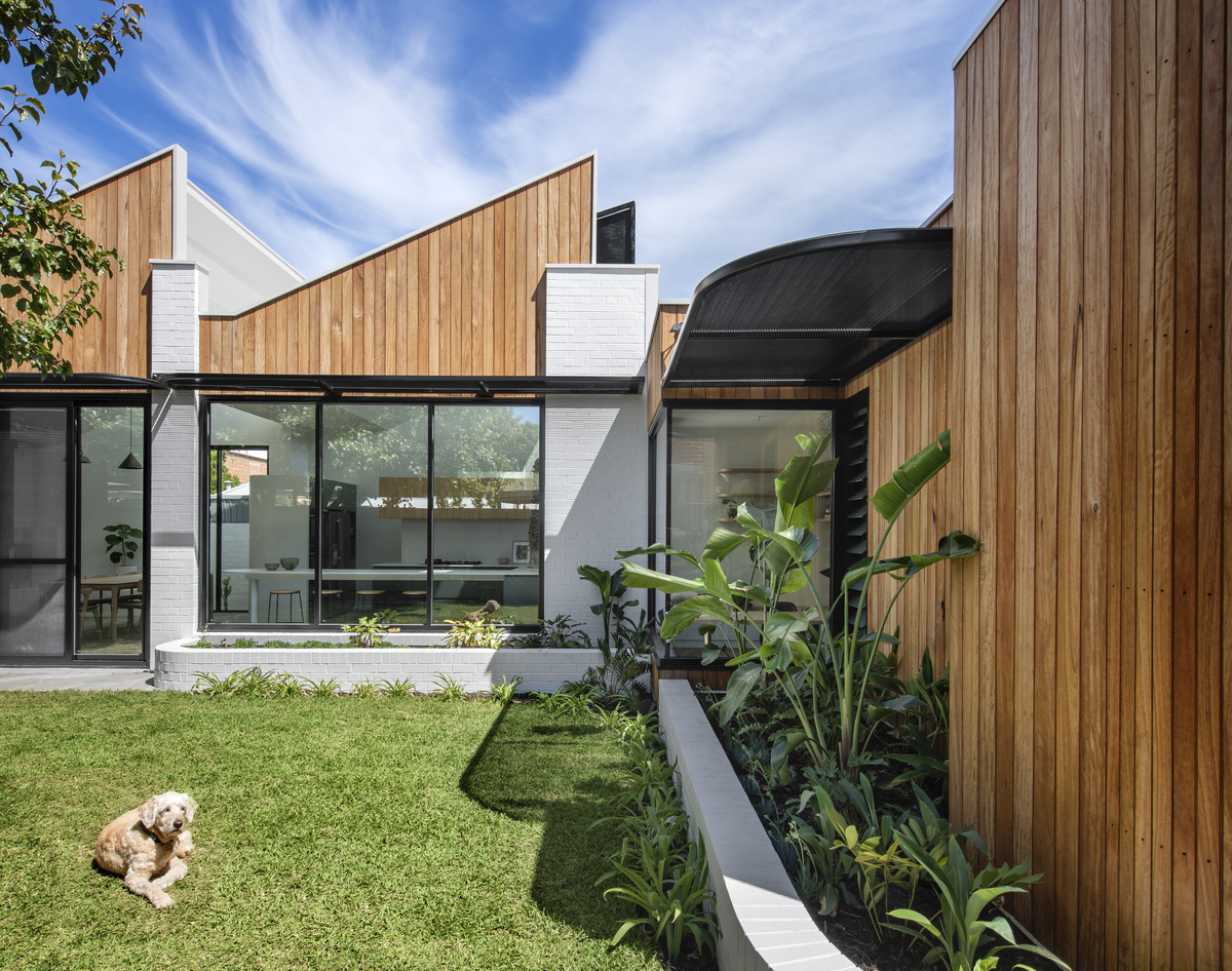 large Goodwood007 - A Goodwood House : Nội thất hiện đại sân vườn xanh mướt