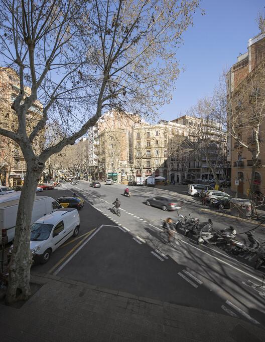 Superblock of Sant Antoni / Leku Studio. Image © Del Rio Bani