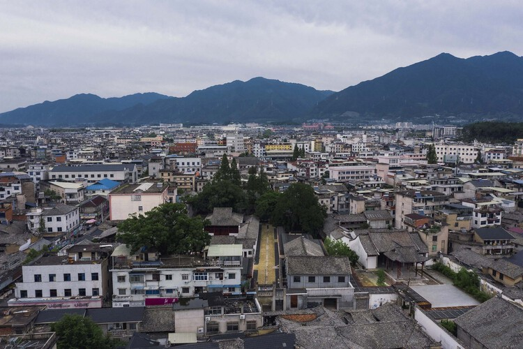 Neighborhood·Songyang Three-Temple Cultural Communication Center / Jiakun Architects. Image © Arch-Exist