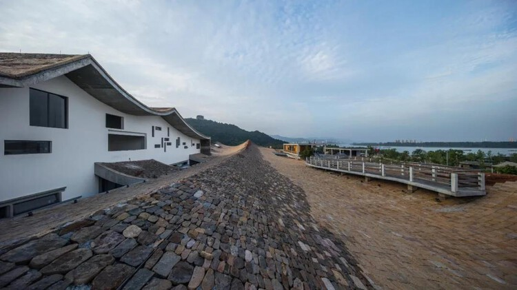 Architectural Design Award Finalist: Fuchun Resort. Image via City for Humanity Award