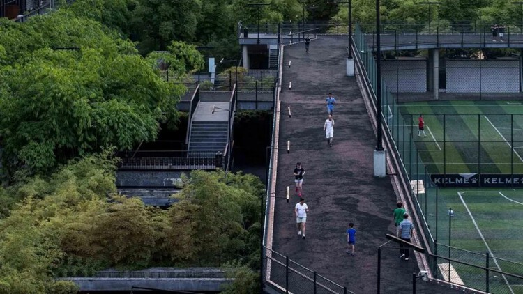 Public Space Award: West Village - Basis Yard / Jiakun Architects. Image via City for Humanity Award