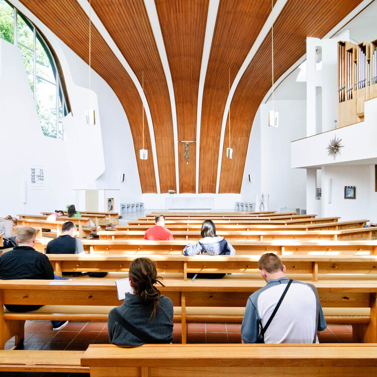 Alvar Aalto and the Use of Timber: From Stools to Ceilings and Structures, Heilig Geist Kirche / Alvar Aalto. Image ? Samuel Ludwig