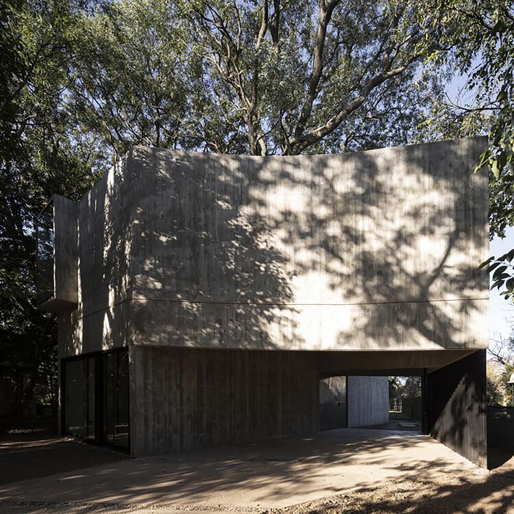 Casa en los árboles / Estudio Aloras, © Federico Cairoli