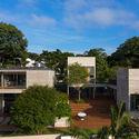 Leonardo Finotti 01 - Ấn tượng với kiến trúc của ngôi nhà được cải tạo mở rộng