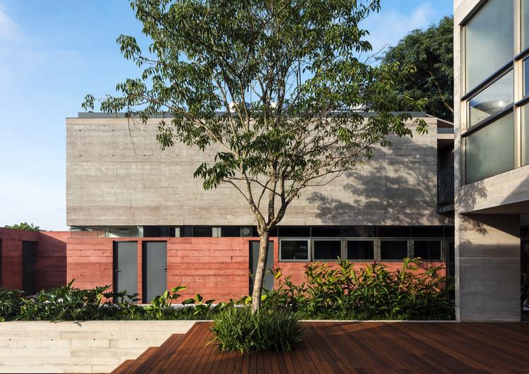 Leonardo Finotti 02 - Ấn tượng với kiến trúc của ngôi nhà được cải tạo mở rộng