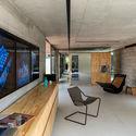 Leonardo Finotti 05 - Ấn tượng với kiến trúc của ngôi nhà được cải tạo mở rộng