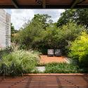 Leonardo Finotti 06 - Ấn tượng với kiến trúc của ngôi nhà được cải tạo mở rộng
