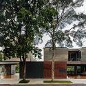 Leonardo Finotti 07 - Ấn tượng với kiến trúc của ngôi nhà được cải tạo mở rộng